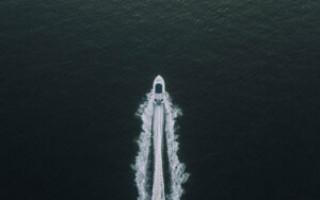 Какой двигатель выбрать для яхты с парусом?
