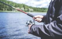 Стул для рыбалки — сколько стоит и стоит ли его заменять стулом?